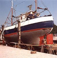 Kalfat-Arbeiten an Fischkutter (1967)